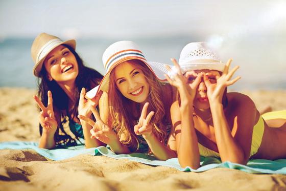 UV žiarenie má nesporné pozitívne účinky na náš organizmus. Počas slnečných dní, majú ľudia všeobecne lepšiu náladu.